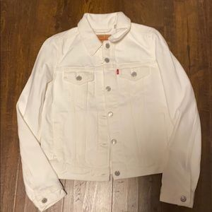 LEVI a white jean jacket NWT
